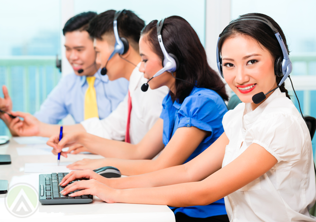 asian-customer-service-team