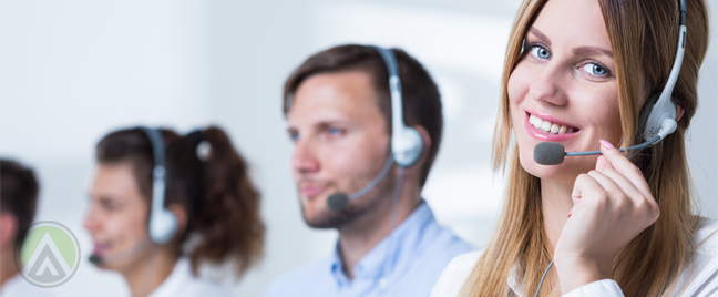 smiling-female-telemarketer-with-team