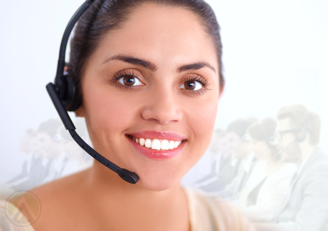 close-up-of-smiling-female-customer-service-representative