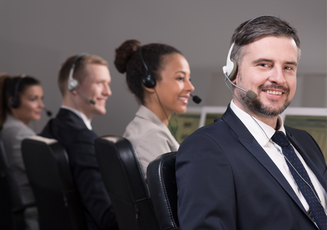 bearded-call-center-manager-with-customer-service-team