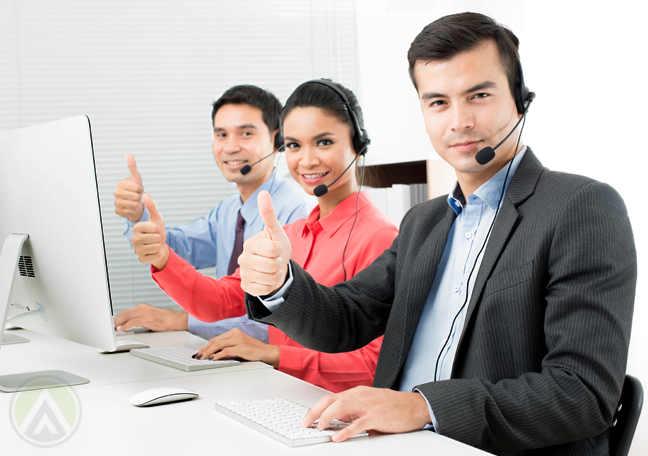 thumbs-up-call-center-agents